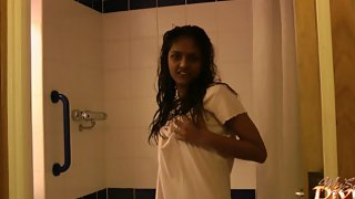 Amateur Indian babe divya in shower asking you to join