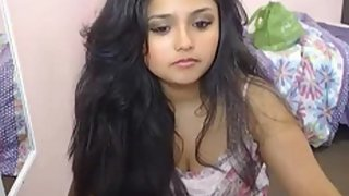 Chubby sexy Indian babe sara from delhi on live cam show