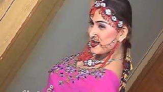 Sexy mature punjaban tawaif dancing