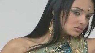 Mumbai girl Rashmi modelling video