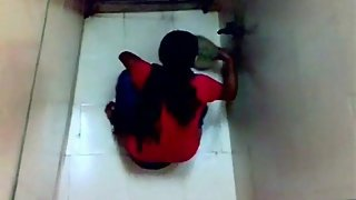 Sophia college girls in Mumbai caught pissing