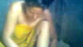 Manipuri bhabhi in shower