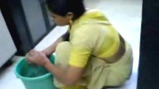 kaamwali bai ki secretly filmed video
