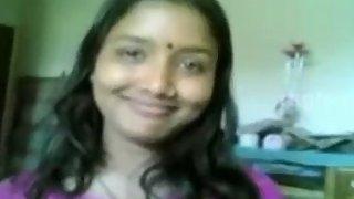Bhabhi in blue exposing her juicy bigtits