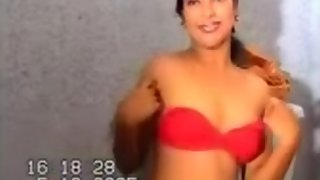 Indian desi girl showing her pink boobs on cam
